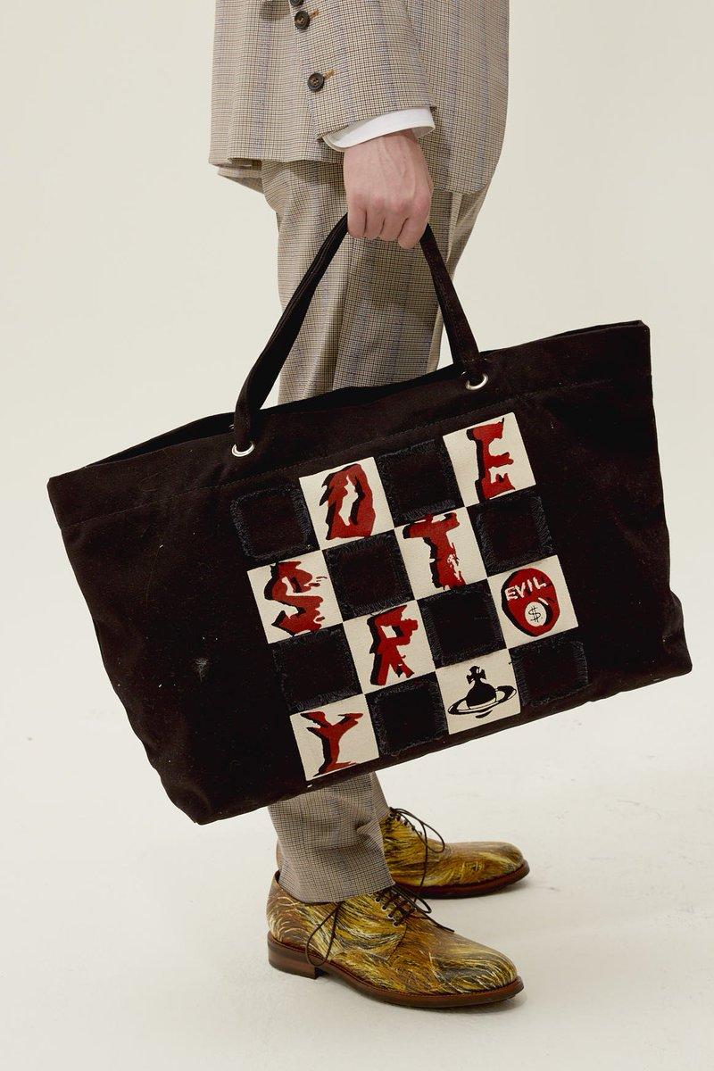 0fa55de5e0 ... now https://www.viviennewestwood.com/en/women/bags/handbags/westminster-destroy-shopper-black-black-4205003410083N435.html  …pic.twitter.com/bhkFbHQBym