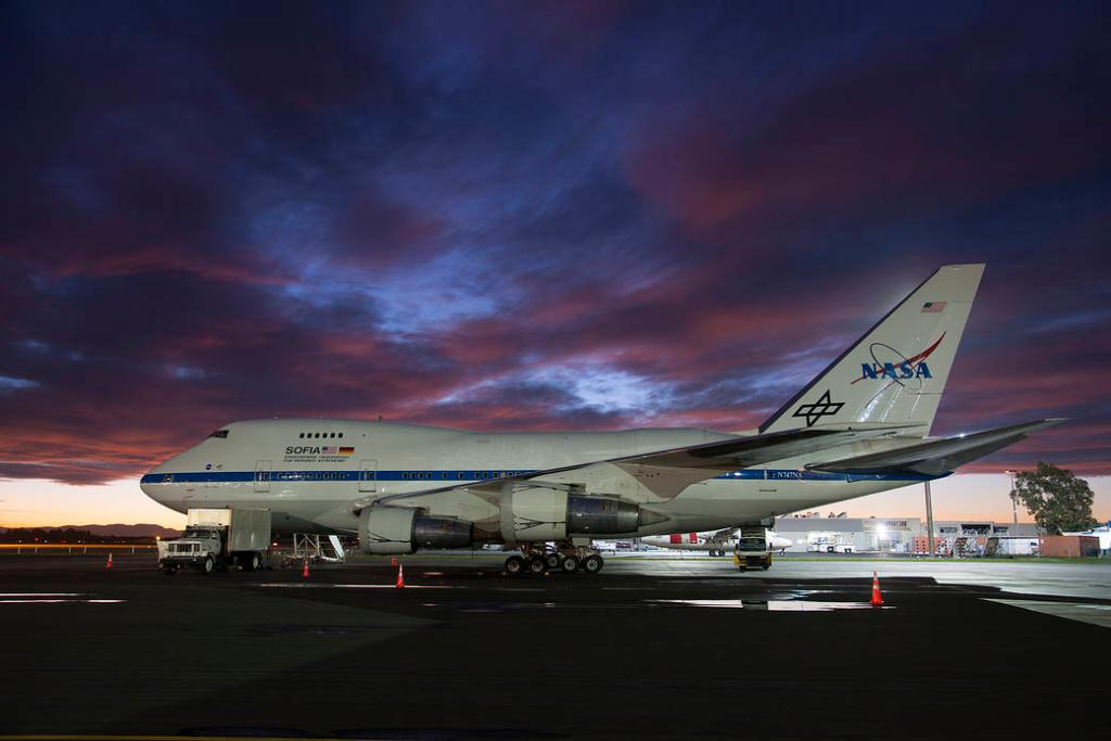 Its the LAST DAY to apply for our #NASASocial event at @NASAArmstrong on April 24! Submit an application to: - Go behind the scenes on @SOFIAtelescope - Explore how @NASA uses research planes to study our home planet, the stars &cosmos Details: go.nasa.gov/2FCTxau