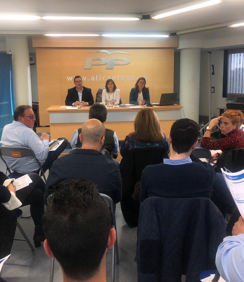 Reunión en la sede provincial de Alicante de responsables comarcarles y de zona de Interventores y Apoderados de la provincia de Alicante. #FemPartit #Elecciones2019