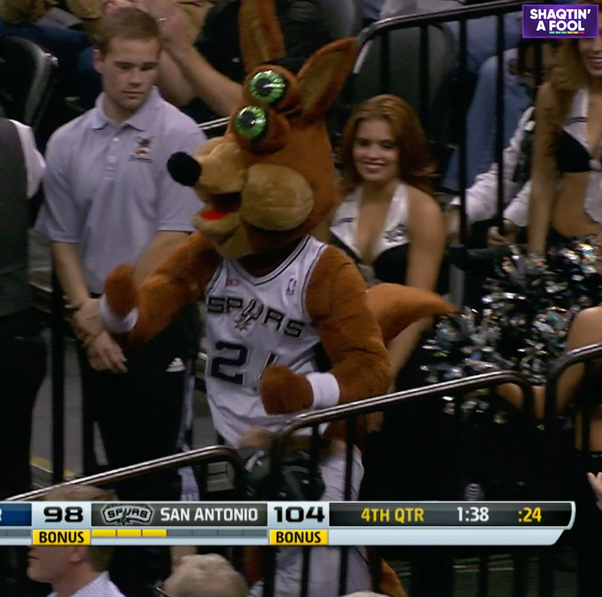 #OTD in 2014, the @SpursCoyote took a charge and lost his eyes. 👀🤣  #Shaqtin