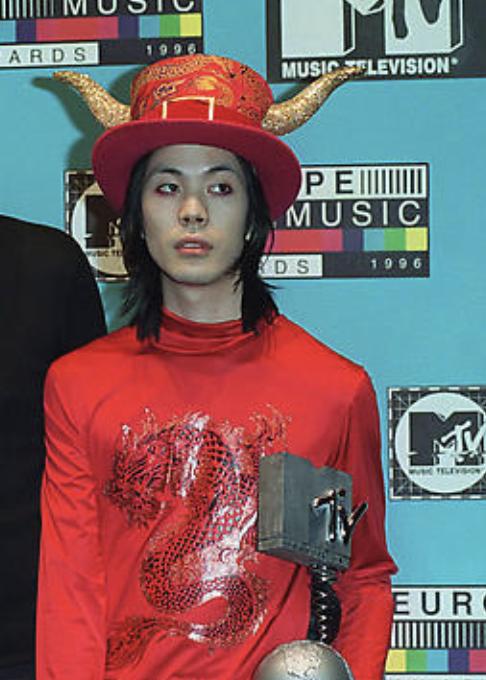 Happy birthday james iha, aka guy who dressed like a homestuck troll to the MTV music awards
