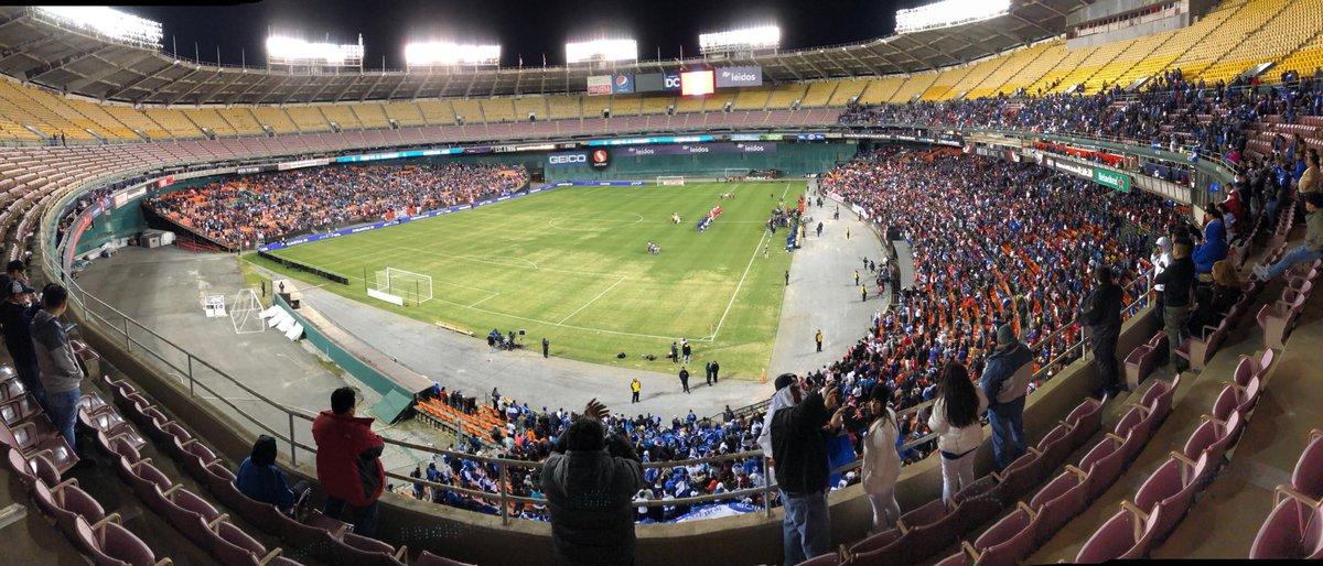26-3-2019 - Amistoso El Salvador 2 Peru 0. D2n71YrW0AMQsRO