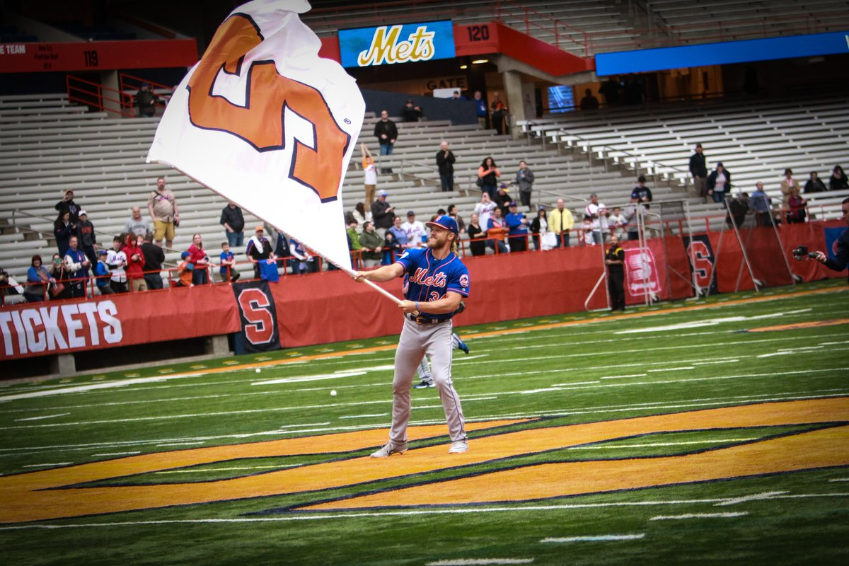 New York Mets workout inside the Carrier Dome on Tuesday (full coverage)