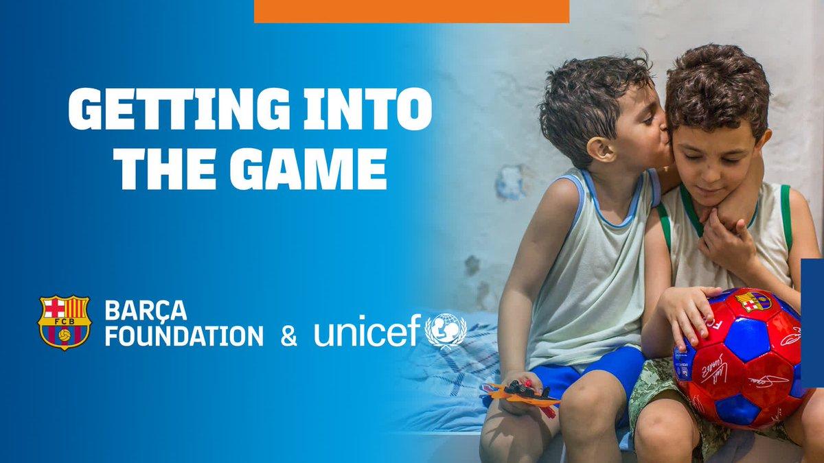 🤔¿Sabes que significa #Sport4Change? Este jueves, no te pierdas como @unicef_es y el @FCBarcelona_es están cambiando la vida de niños y niñas en todo el mundo usando el deporte. 👀  👉https://bit.ly/2TWUwLa👈