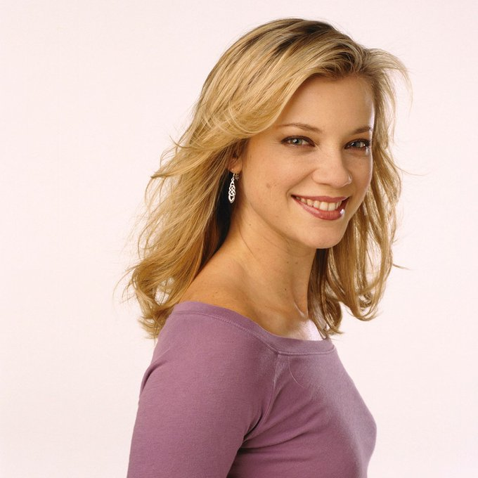 Happy Birthday to the very talented Amy Smart!