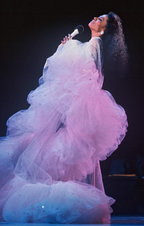 Happy Birthday to the ever-inspiring Diana Ross! --->