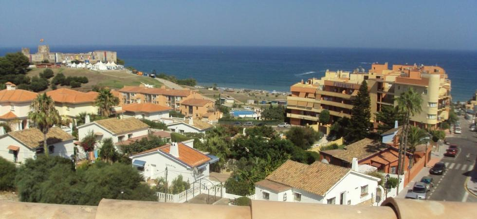 2 bedroom Penthouse for sale in Fuengirola https://t.co/ozRBs8ePTi https://t.co/wrB0GNUffC
