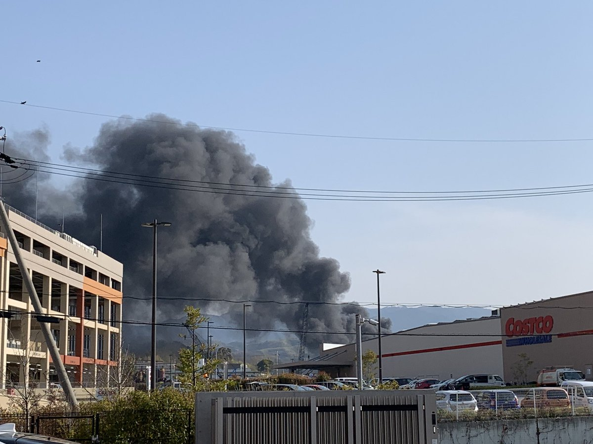和泉市あゆみ野のコストコ付近で火事の現場画像