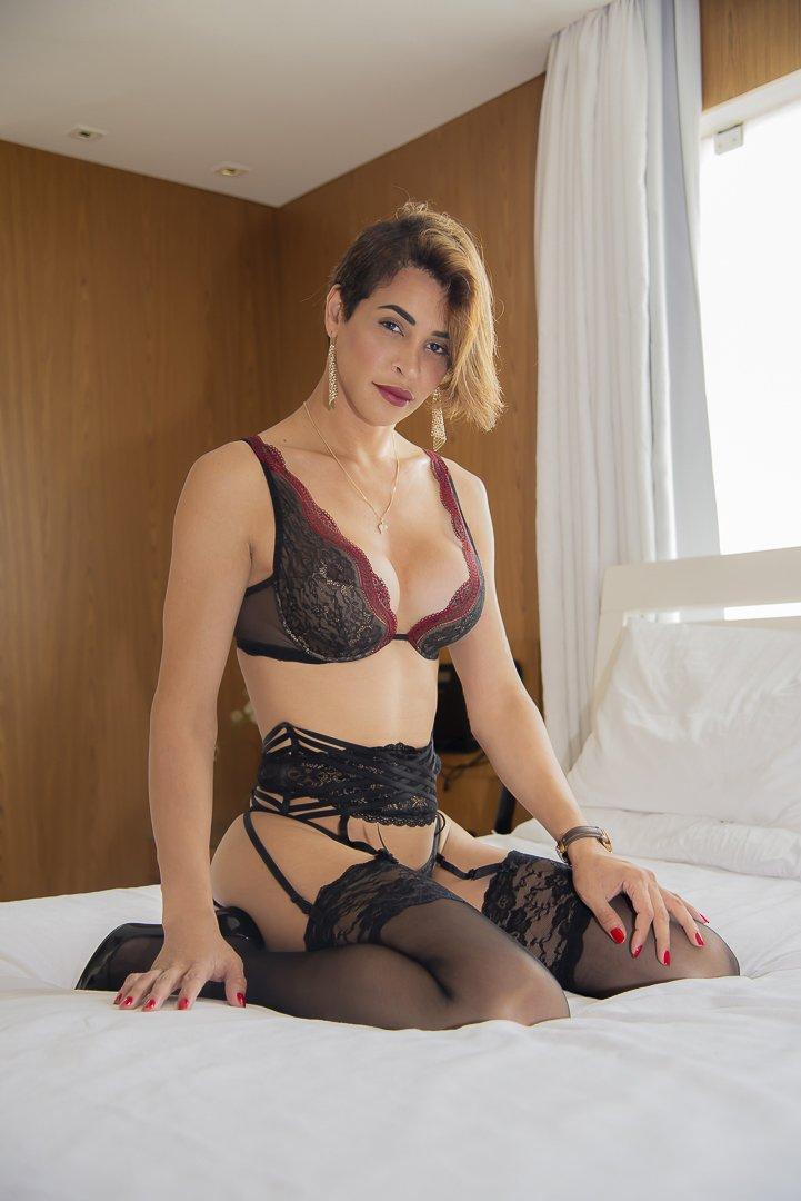 Carla Brasil 1110850862476414976-0