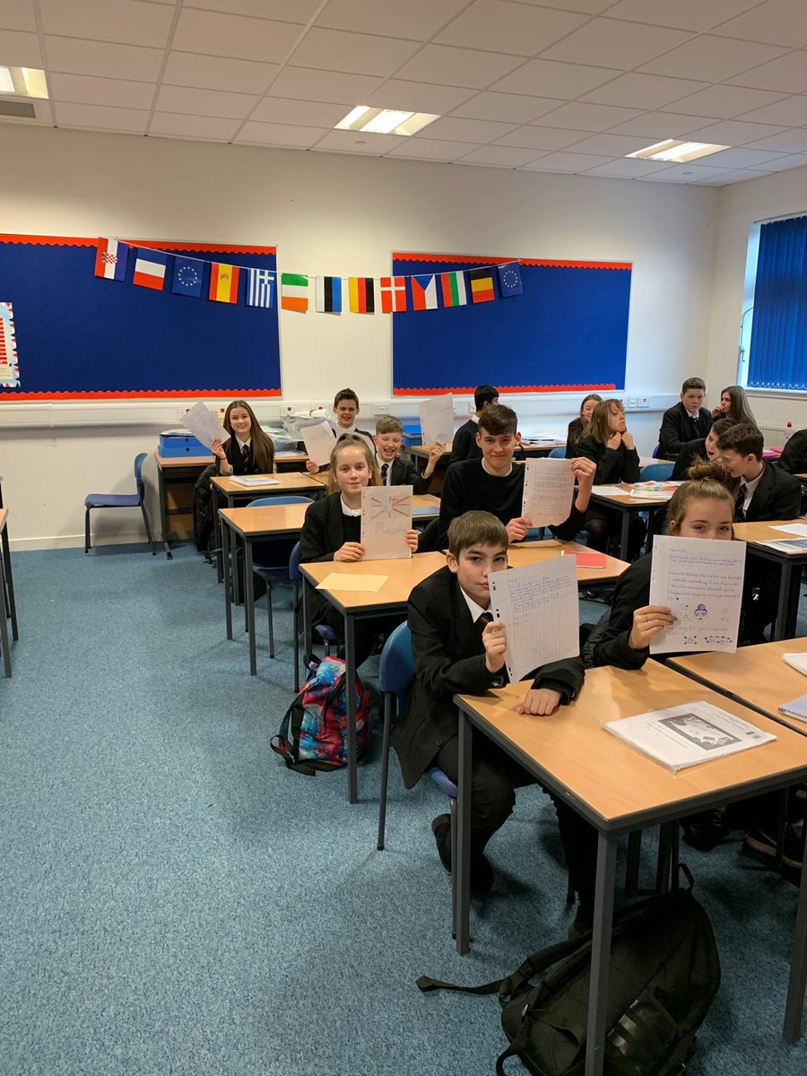 Bearsden Mfl On Twitter S2 Pupils Are Enjoying Reading Their