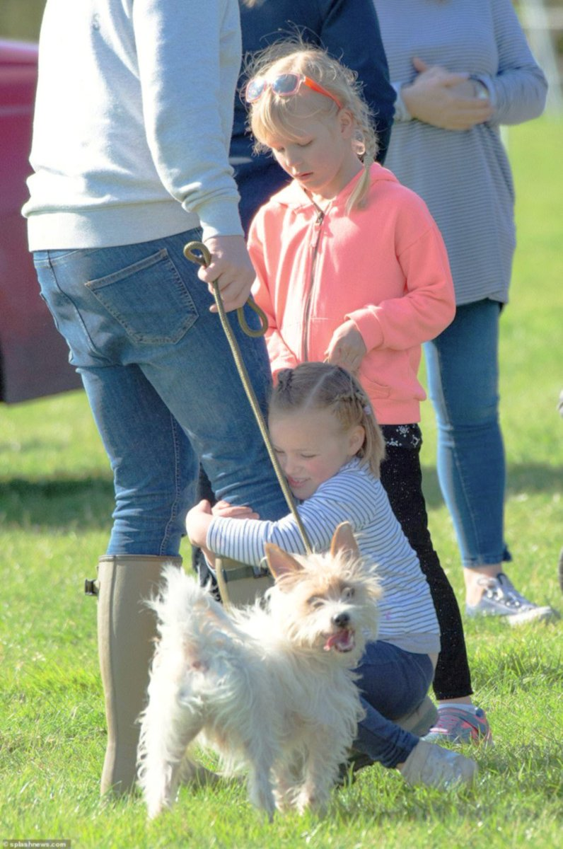 Isla Phillips, Mia Tindall and Savannah Phillips attend the Gatcombe Horse Trials at Gatcombe Park in Stroud, England  -24/03/19. #MiaTindall #IslaPhillips #SavannahPhillips #Englandpic.twitter.com/PzQWuStF0N