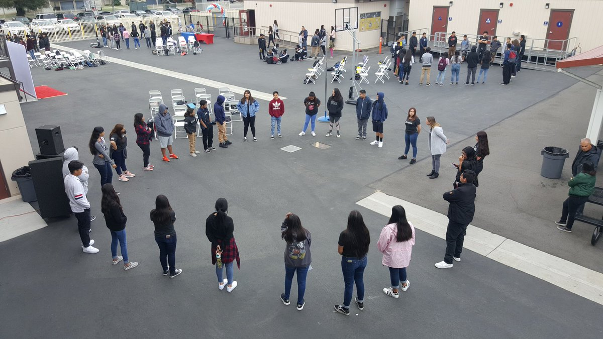 It's #HighSchoolVisitationDay and 8th grade students are learning all about #Cìrculos @ ALA! #XQ #Rethinkhighschool #SAUSD