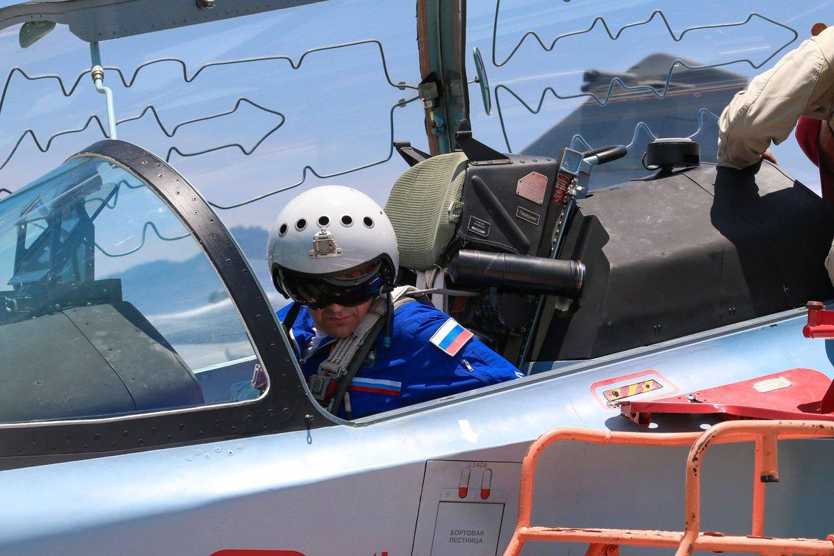 ماليزيا تنتهي من تقييم طائرة التدريب المتقدم Yak-130 الروسيه  D2rp8ixU4AE2-Sj