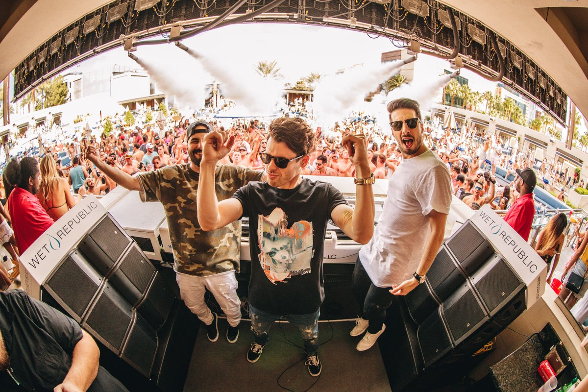 Join us today for #EndlessSundays with @CashCash!  Tickets: https://t.co/g37epxzJQ2 https://t.co/bCEryBpBXj