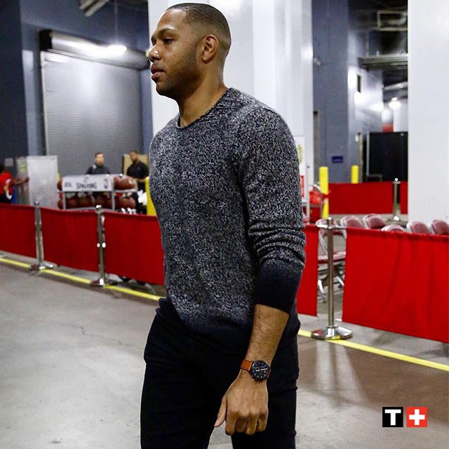 Eric Gordon of the Houston Rockets is joining us for a meet & greet this Friday from 5:30-6:30pm in Houston! Purchase a Tissot timepiece $350+ for a private meet & greet from 5pm-5:30pm, plus a Rockets Hat for @TheofficialEG10 to sign! For more info: http://bit.ly/2U5E9LN