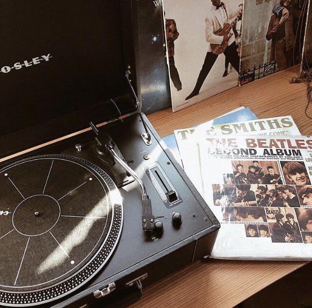 Timber Cove's hotel guests enjoy their own @CrosleyRadio #vinyl #recordplayer in every guest room. 🎶 #timbercoveresort #crosleyradio ... 📷: @scarlettwinningham