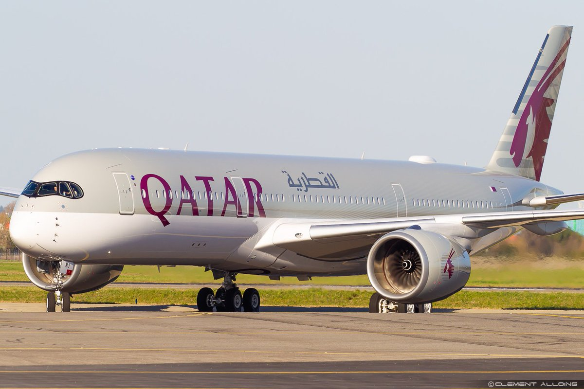 Brand new #Airbus #A350 for @qatarairways performing taxy tests at #Toulouse #A7AMJ #MSN237 #Avgeeks #Avgeek