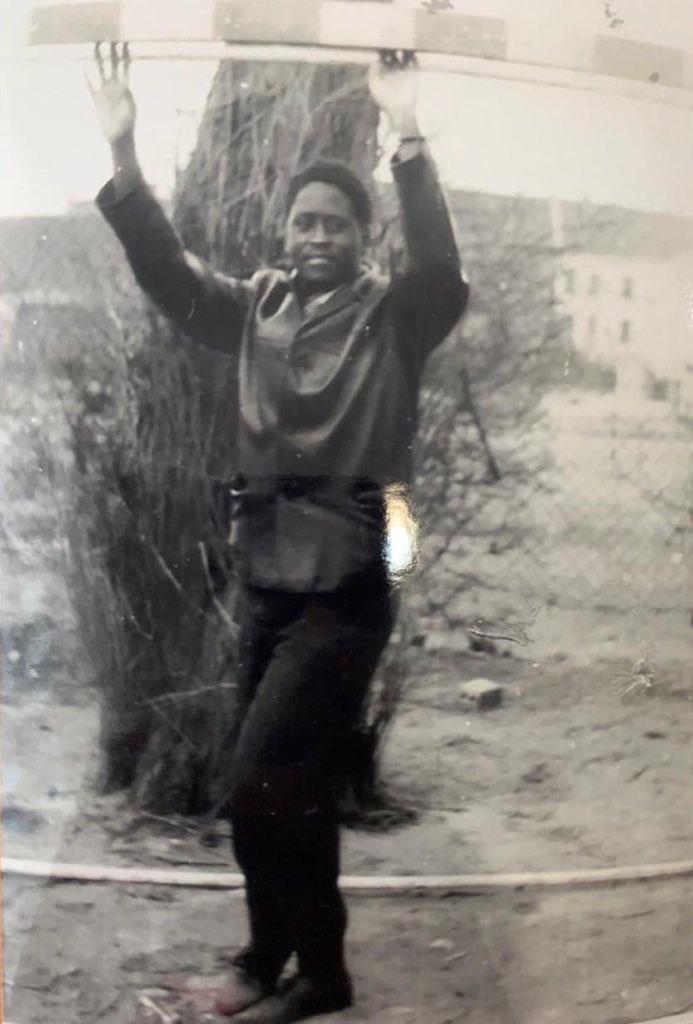 D2uDorQXQAAjicz - Rao back in the day!Hon Raila's Germany TBT photo gets Kenyans talking