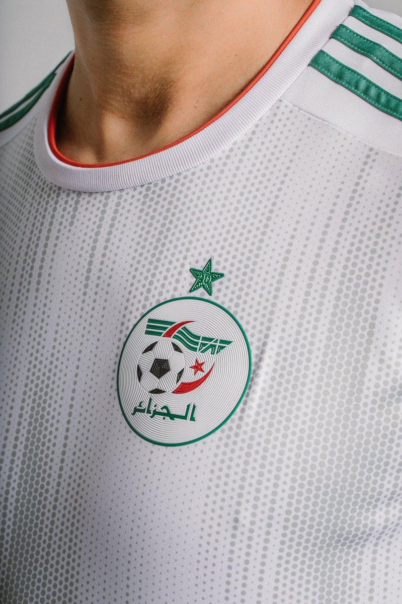 بالصور .. قميص المنتخب الجزائري الجديد الخاص بكأس أمم أفريقيا 2019 25