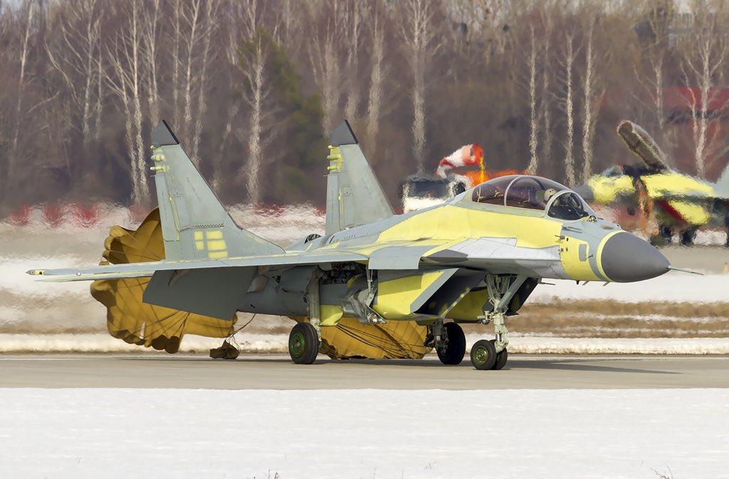 """50 مقاتلة من طراز """"ميغ-29"""" إلى مصر - صفحة 3 D2xyasFX0AAovoe"""