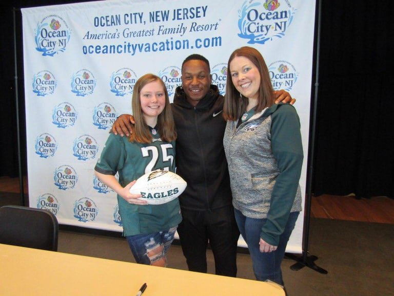 Had a great time in Ocean City, NJ meeting some Eagles fans! #FlyEaglesFly #FanFriday