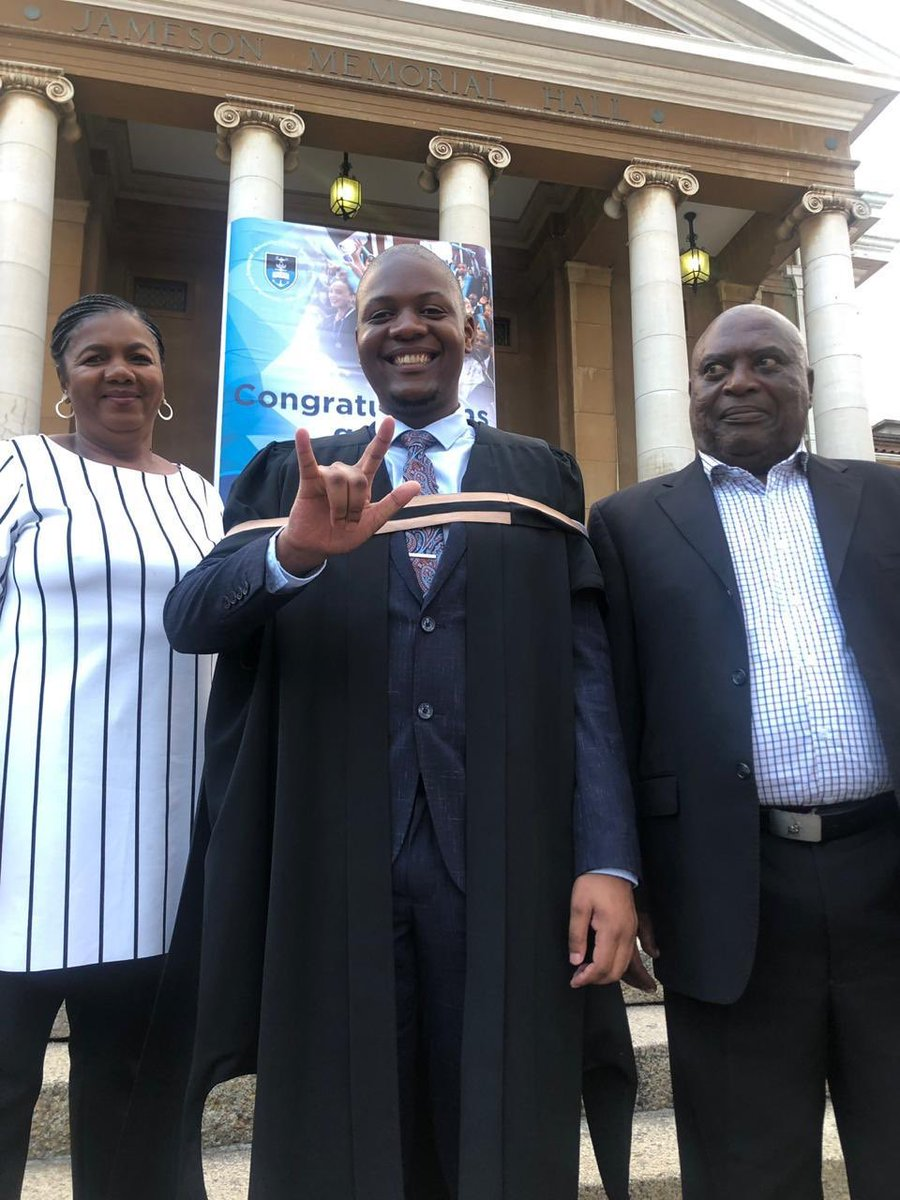 Eastern Cape-born Qobo Ningiza is South Africa's first deaf law graduate, he graduated with a Bachelor of Laws (LLB) degree at the University of Cape Town today. #UCTGrad2019   #QoboNingiza<br>http://pic.twitter.com/VccTKsgXj4