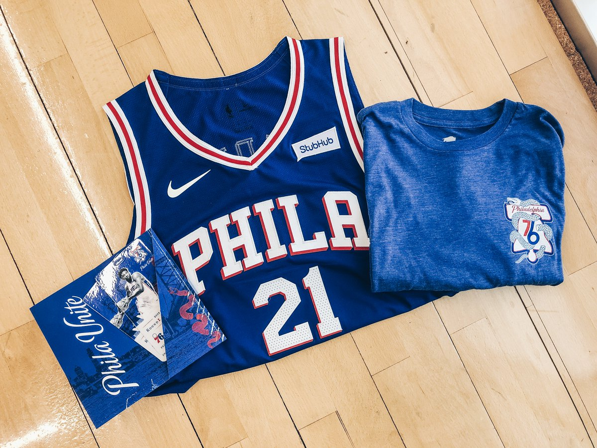 🚨GAME 1 VIP EXPERIENCE 🚨                  GIVEAWAY   Enter to win tickets to Game 1, a VIP experience and #PhilaUnite gear! All you have to do:    1️⃣: RT this tweet. 2️⃣: Follow @StubHub