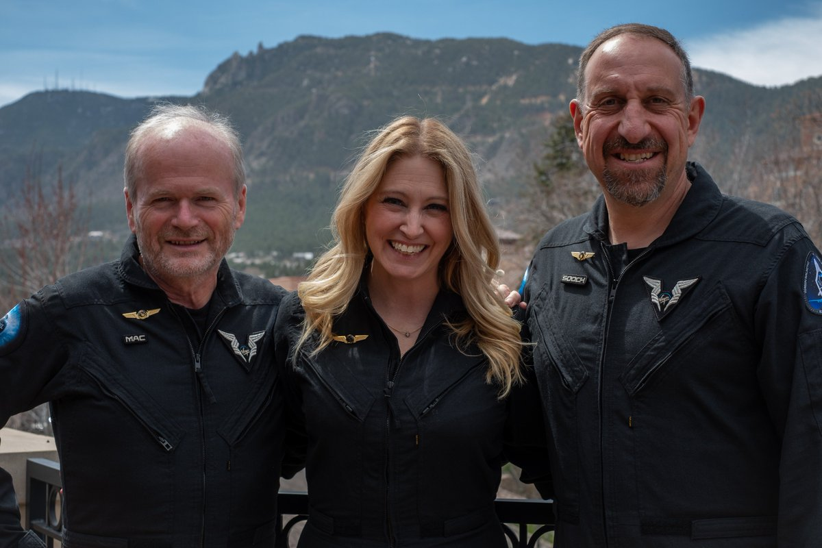 Those Commercial Astronaut Wings sure look good on the crew from our second spaceflight.
