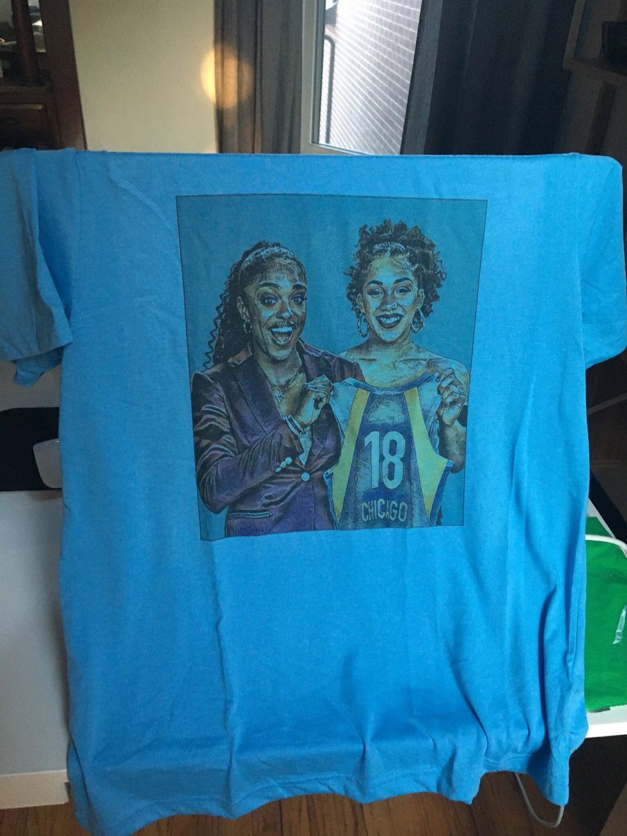 🚨SKY SHOW GIVEAWAY TIME🚨  1 winner will be chosen at random for this 1 of 1 exclusive Diamond DeShields & Gabby Williams #WNBADraft #SkyProspect shirt made by @hdtshirts!   RT THIS TWEET & Follow me to enter 🙌🏽 (Likes also appreciated!)  #WNBAWeNeedMerch  Details below ⤵️⤵️⤵️