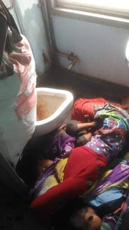 Dear @narendramodi @RailMinIndia @BJP4India @RahulGandhi @INCIndia will this change someday? Do these pictures cause pain to you? देश बदल रहा है?  #bullettrain #IndianRailways
