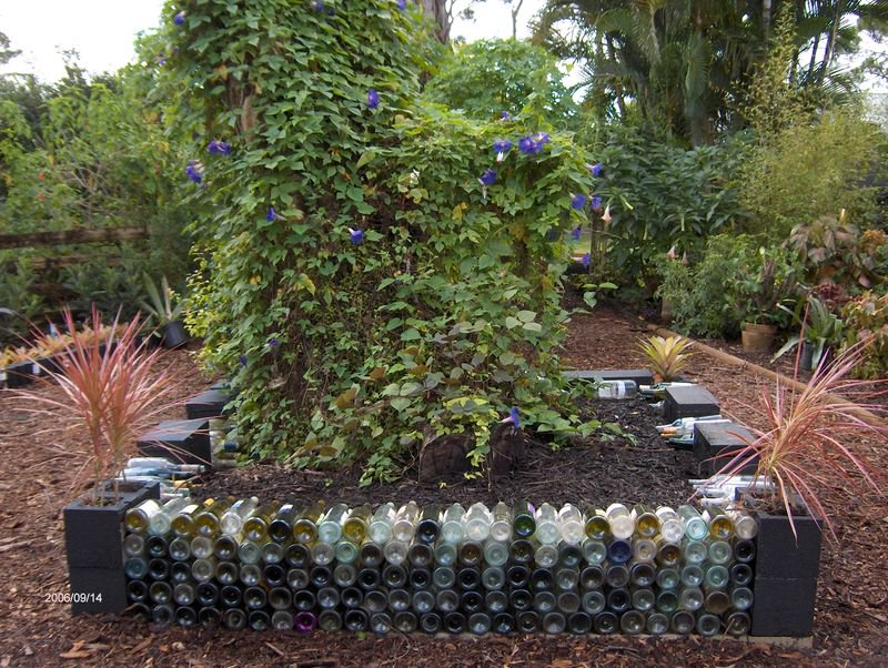 Tu Bloom On Twitter Care For Some Its For A Good Cause Creative Ways To Build Raised Garden Beds Spring Gardening Repurposing Upcycling Garden Diy Diyideas Mr Plantgeek Urban Creations Harrietrycroft