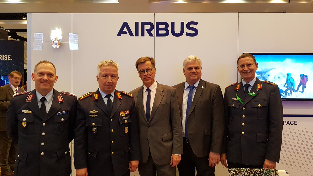 Honored to have good conversation with Lieutenant General Habersetzer from German Luftwaffe (2nd from left) with Johannes von Thadden (3rd left) at our @AirbusSpace stand at #SpaceSymposium.