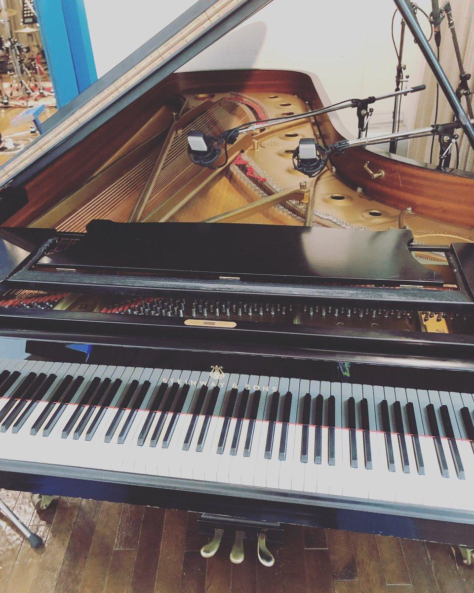 今日の相棒。先月に引き続き今日もハートビートスタジオ。結構頑張った!#今日の相棒ピアノ#バイト #派遣 #白と黒の板を順番に押すだけの簡単なお仕事 #職場の雰囲気も最高 #コーヒー無料 #福利厚生はなし