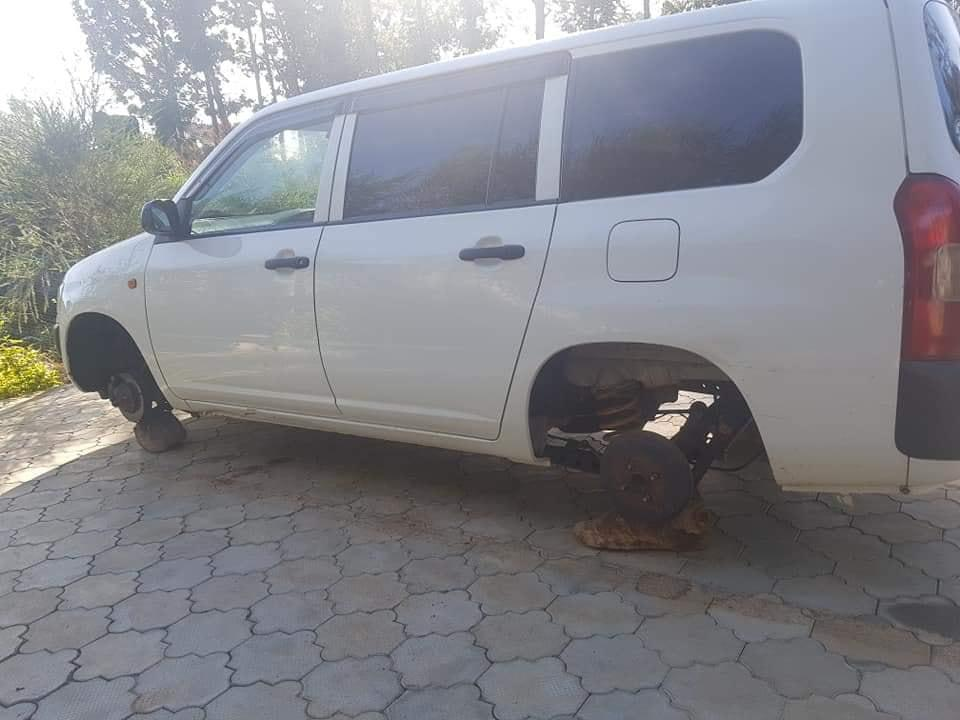 Kenyan Man Wakes Up And Found His Car Without No Tyres