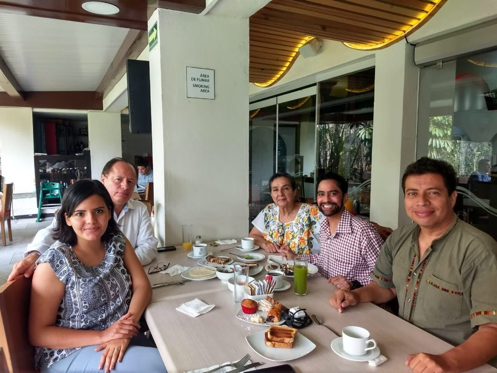 On Apr 9, #POP had a breakfast meeting with some dignitaries, wherein a possible collaboration with Universidad de Ciencias y Artes de Chiapas and H. Ayuntamiendo de berriozabal, a youth-led organization was discussed. #Chiapas #protectourplanet #climateaction #globalefforts