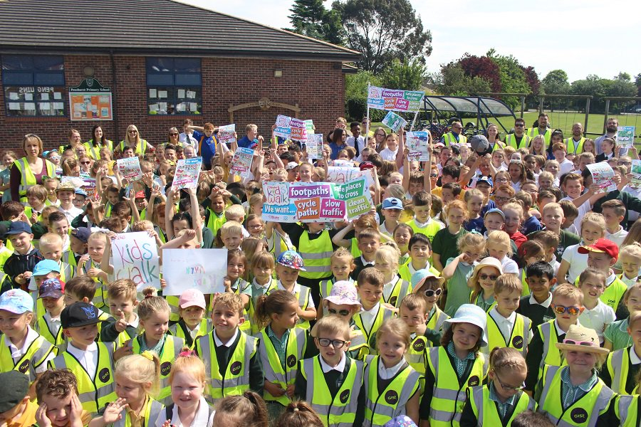 This year's #BrakesKidsWalk is on Wednesday 26 June, when thousands of 4-11 year olds will campaign for safer roads in their communities. Sign up now for a free action pack full of resources, and be the first to hear about this year's exciting news! http://brakezebras.org/brake-s-kids-walk…