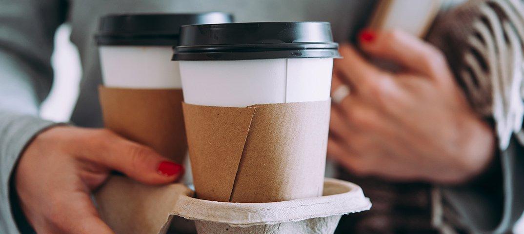 время фотки с кофе в стаканчике и человек представленных нашей статье