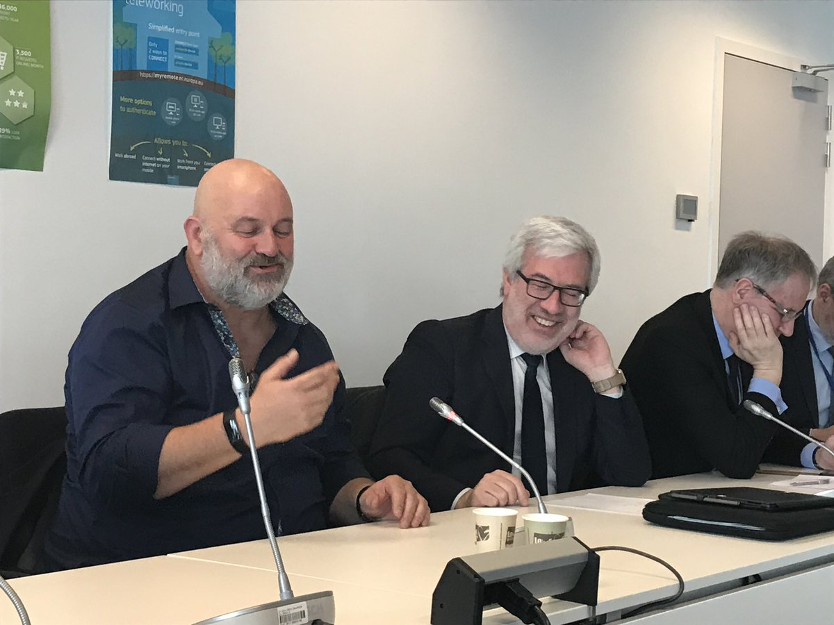 #EC #cloud journey: we bet on transformational potential of #Cloud with a focus on #security we have to #Innovate rapidly to deliver tools that protect our business in the cloud. Good exchange with @Werner @awscloud @EU_DIGIT @GIngestad #CII @EP_Technology