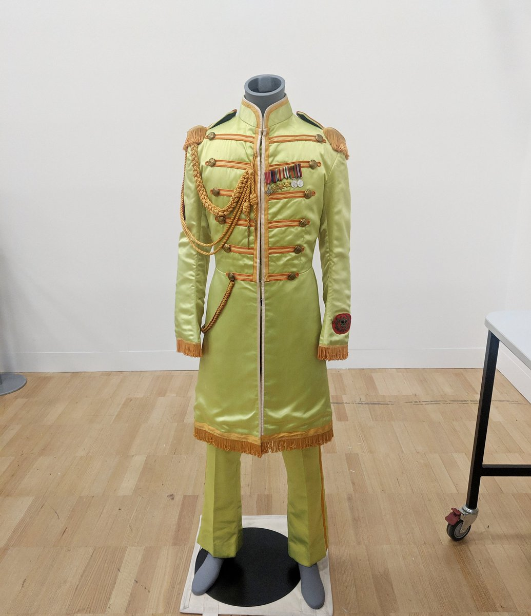 Bronny Robinson On Twitter Guys Actual John Lennon S Sgt Pepper S Suit I Am Beyond Frothing Right Now This Is Part Of The Melbournemuseum Revolutions Records Rebels Exhibition Opening April 27th