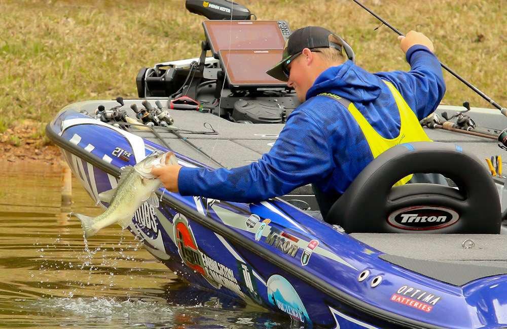 6c2b81def7c4 Blue Otter Polarized ( blueottershades)