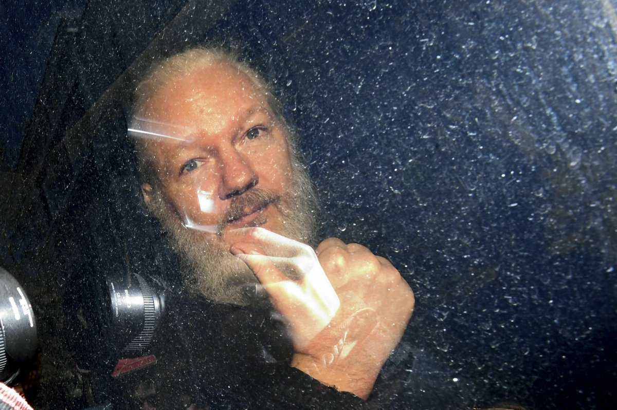 US charges Julian Assange with conspiracy to commit computer hacking
