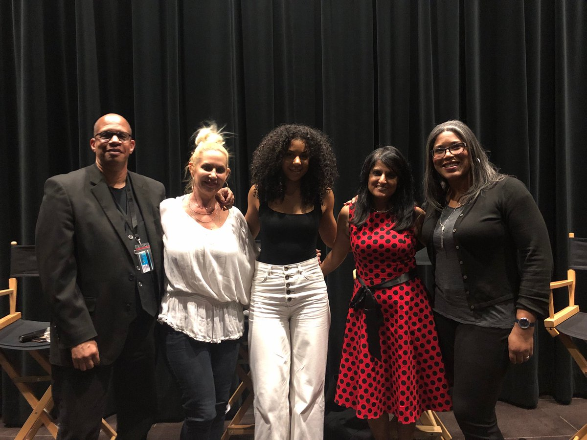 Moderated a great group of panelists for @USCCinema. Thanks for the knowledge #JayFrancis #KristiShuton #RosetteSims and #NitiShah Talking about Diversity & Inclusivity @DisneyAnimation @TheAcademy and #NextGen https://t.co/SCoxBBLMYW