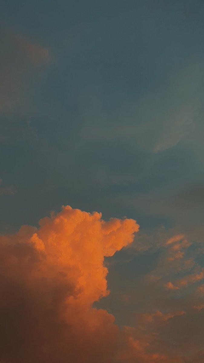 Mada Riyanhadi Sur Twitter Senja Hari Ini Sepulang Kantor Rasa Lelah Sedikit Terhapuskan Dengan Sajian Langit Sore Cantik Silahkan Kalau Ada Yang Mau Dibuat Wallpaper Withgalaxy Galaxys10 Https T Co Pzaqf8anqi