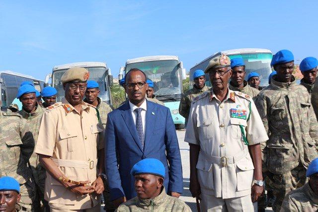 تركيا تخرج أوّل دفعة ضباط صف في الصومال من قاعدتها العسكرية D34QFsPXoAEknK7