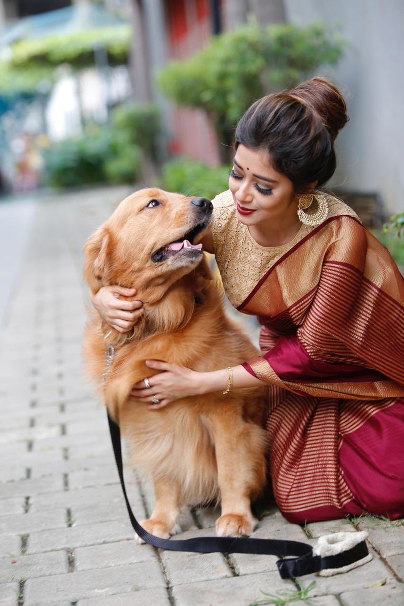 Find yourself someone who looks at you the way Buddy looks at me   Thank you for being my fluffy, entertaining and cutest best friend Happy National Pets day  #TinaaDattaa #DattaaTinaa #Tinzi #NationalPetsDay #Pets #Dog #BestFriend #Cute #Fun #Hugs #Love #Buddy #Thursdaypic.twitter.com/1NVLANw9nJ