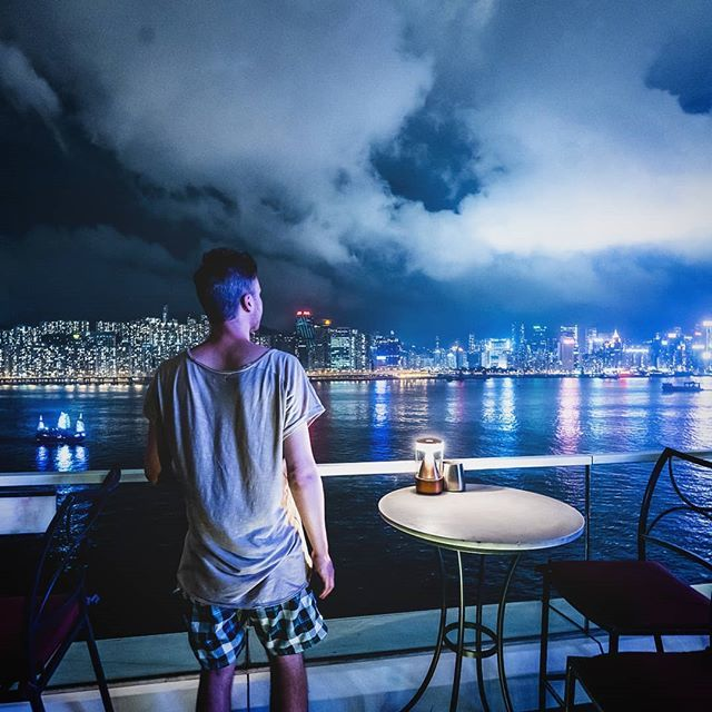 The Hong Kong sky is dramatic tonight. View from @kerryhotelhk  #kerryhotelhk #explorehongkong #discoverhongkong #hongkong #hongkongtrip #hongkongphotography #sky_brilliance #sky_painters #nightsky #ig_masterpiece #meistershots #cityview #cirtyscape #moo… http://bit.ly/2Z3M4sqpic.twitter.com/FIclzKEXZB
