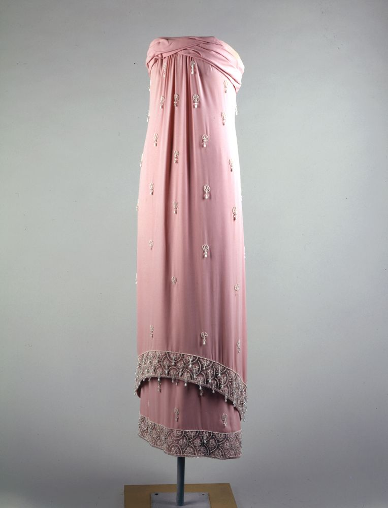 Jfk Library On Twitter Fashion Designer Oleg Cassini Was Born Otd In 1913 He Created Many Designs For Mrs Kennedy Including This Gown Worn To The Opening Of The Mona Lisa Exhibit