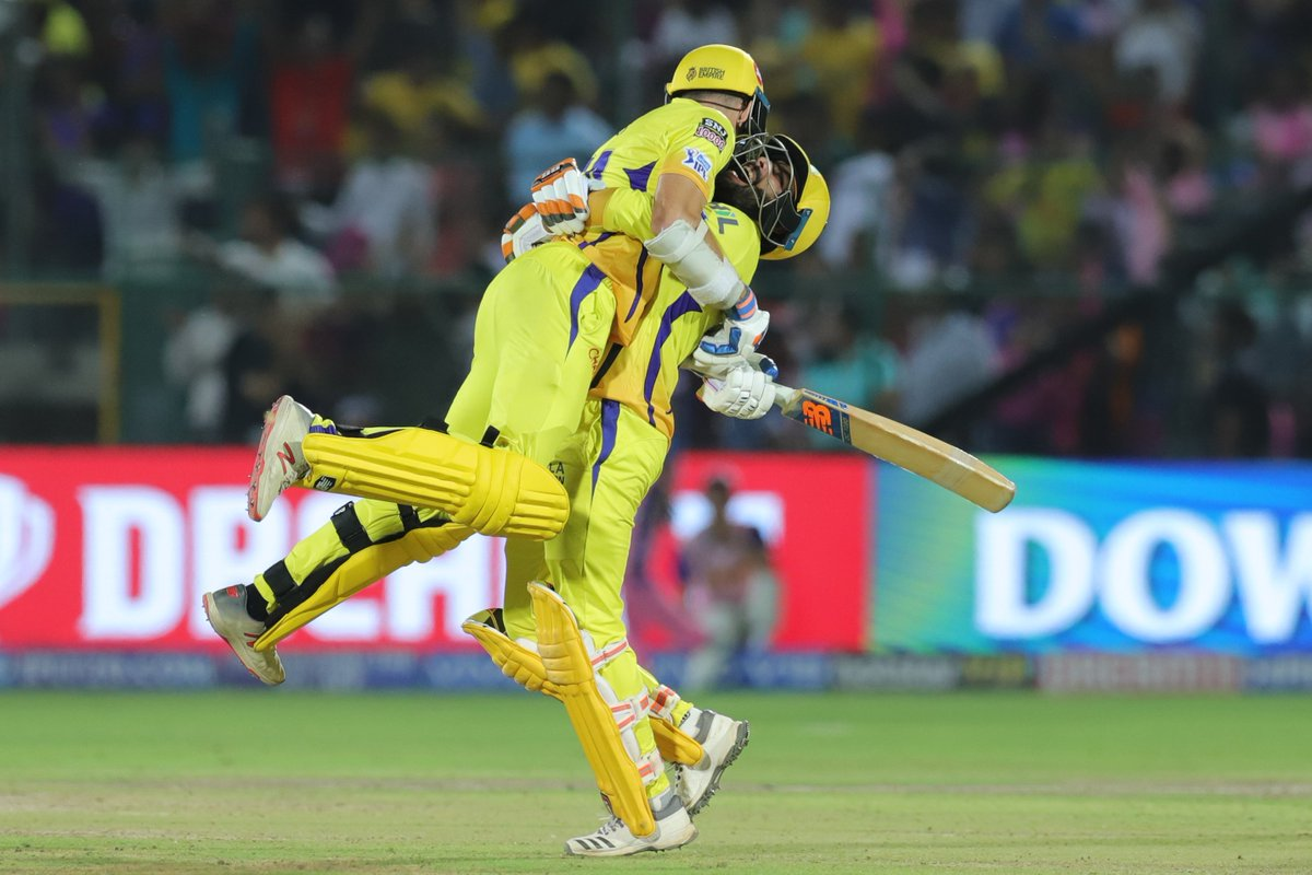 IPL 2019: Watch: MS Dhoni Buries The Hatchet After Outburst, Gives Tips To Rajasthan Royals Players 1