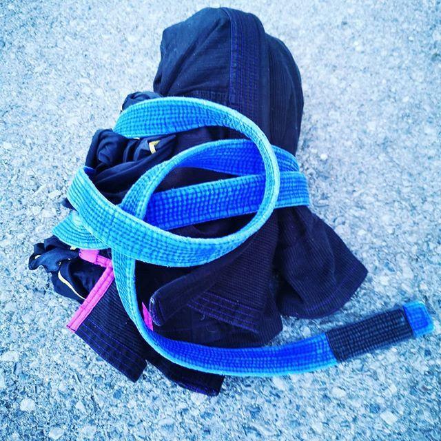 6x5' Gi rounds ☑️. / Rowndiau 6x5' Gi ☑️ #cra #mma #bjj #tanabifit #teamtanabi #fitness #training #cardio #sparring #noexcuses #grappling #ibjjf #duespaid #gi #tatamifightwear #nogi #grinding #jiujitsu #nevergiveup #stayfocused #rollmoreuk #lovehempuk #G… http://bit.ly/2G9W2zS