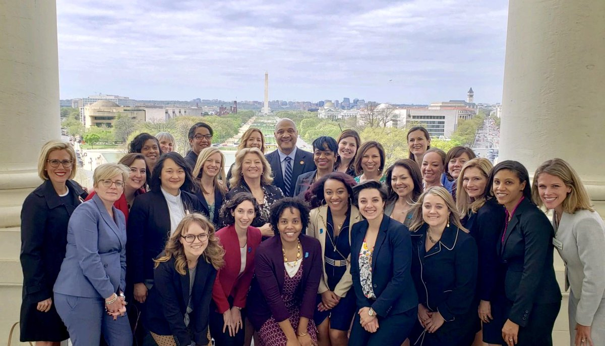 It was wonderful to meet today with members of @inwomenforward, an organization doing great work to help more women become leaders in their communities. Thanks for a great visit!